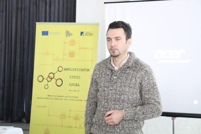 """Juristul urban, Anatolie Albin, din cadrul Biroului de Organizare Comunitară, creat de Asociația Obștească """"Comunități Active pentru Democrație Participativă"""""""