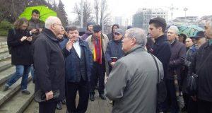 Sursa foto: https://anticoruptie.md/ro/stiri/angajatii-institutelor-academiei-de-stiinte-lasati-de-luni-de-zile-fara-leafa-anunta-actiuni-ample-de-protest