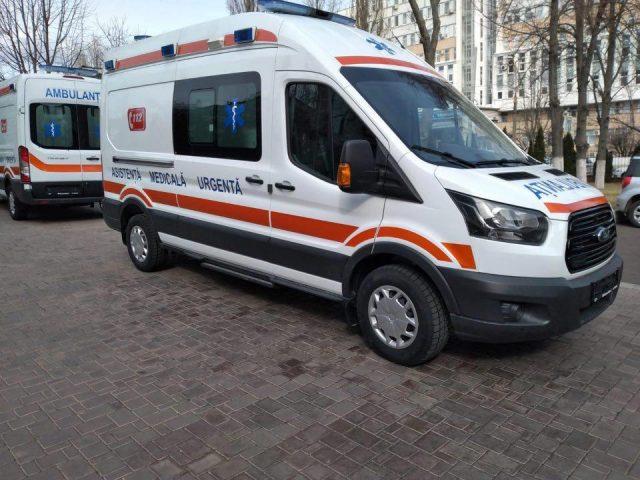 Primele două ambulanțe Ford Transit, din cele 168, asamblate în orașul Adana, Turcia, au fost transportate la Chișinău
