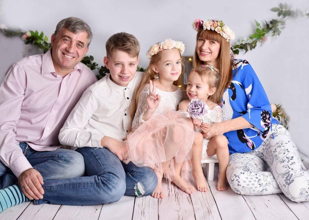 FOTO: Familia Bârsan din Brânzenii Vechi