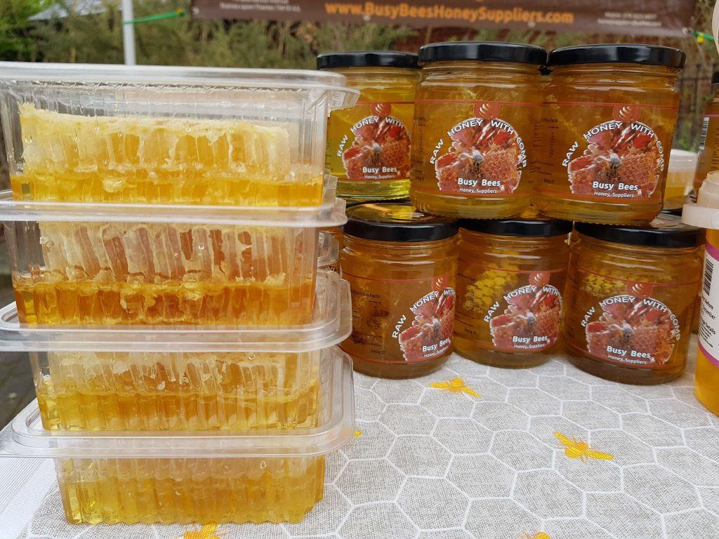 FOTO: Mierea produsă de cuplul Bârsan