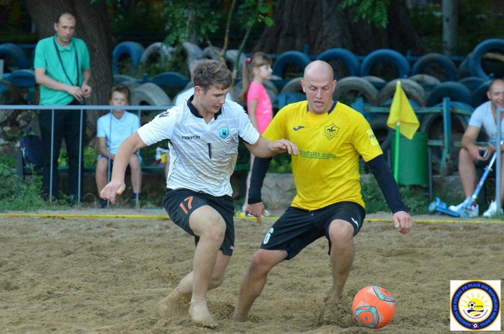Poză din arhiva asociației fotbal de plajă din Republica Moldova