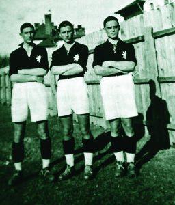 Frații Vâlcov: Colea, Volodea, Petea – de la stânga la dreapta