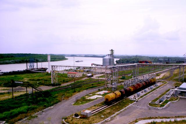 Portul Giurgiulești. Foto de Sergiu Bejenari