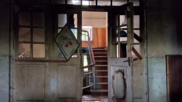 Imagini din interiorul conacului Pommer, foto: Sergiu Bejenari