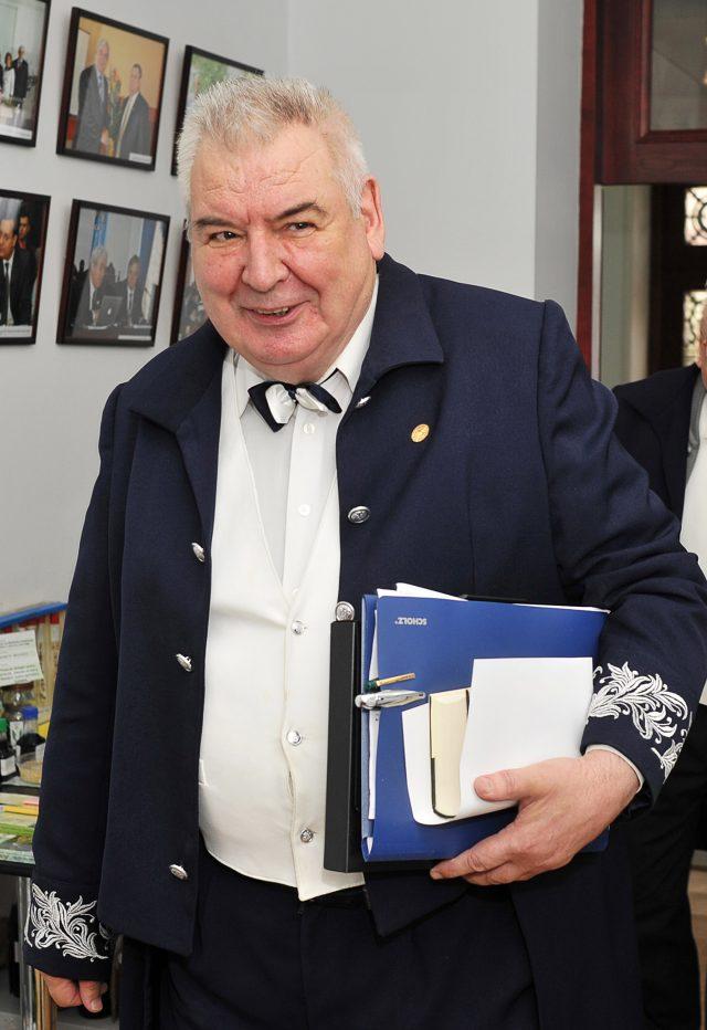 """Acad. Mihai Cimpoi, fondatorului Centrului Academic Internațional """"Eminescu"""""""