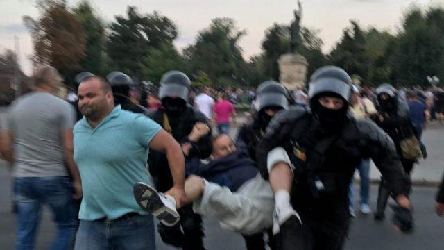 Imagine simbol, de la protestul de Ziua Independenței din 2018, sursa foto: unimedia.info