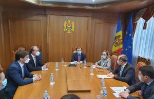 Discuții cu privire la vaccinul anti-Covid din România