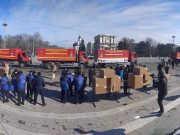 Convoiul cu ajutoare umanitare din România, necesare pentru combaterea COVID-19, întâmpinat la Chișinău