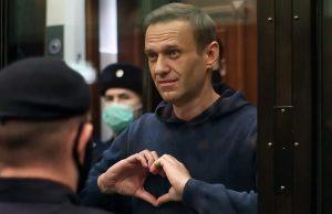 Aleksei Navalnîi, în instanța de judecată